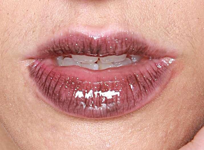 http://img209.imageshack.us/img209/6969/thelips.jpg