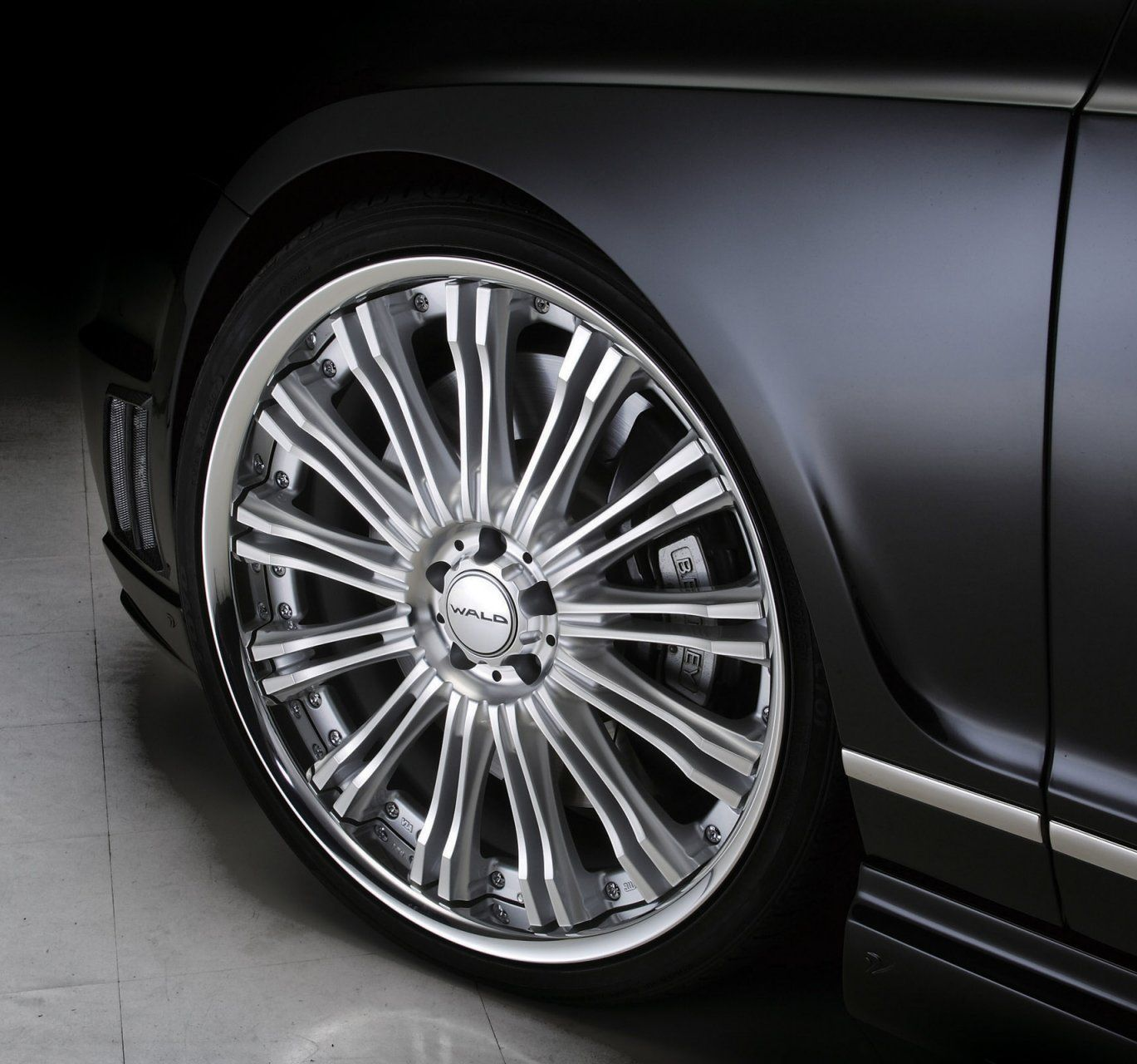 """2012 Bentley Flying Spur W12 Diamond Black: Bentley Continental Flying Spur """"Black Bison"""" By Wald"""